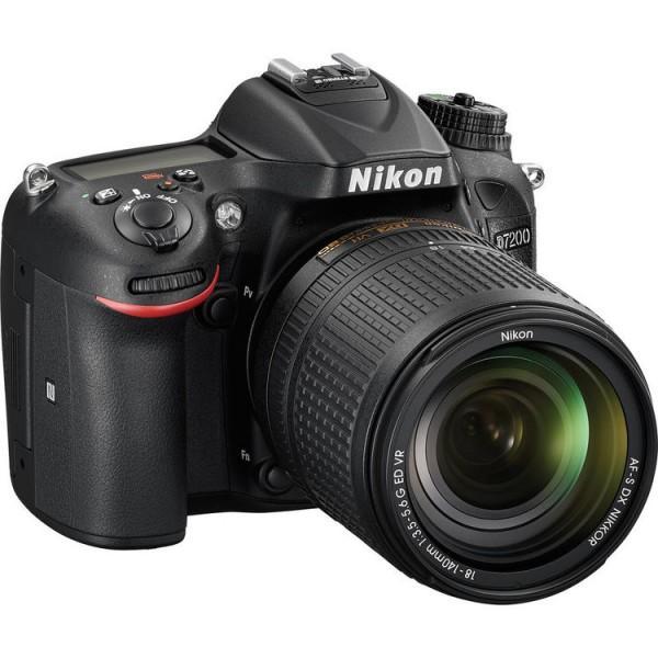 Câmera Nikon D7200 com Lente 18-140mm f/3.5-5.6G ED VR
