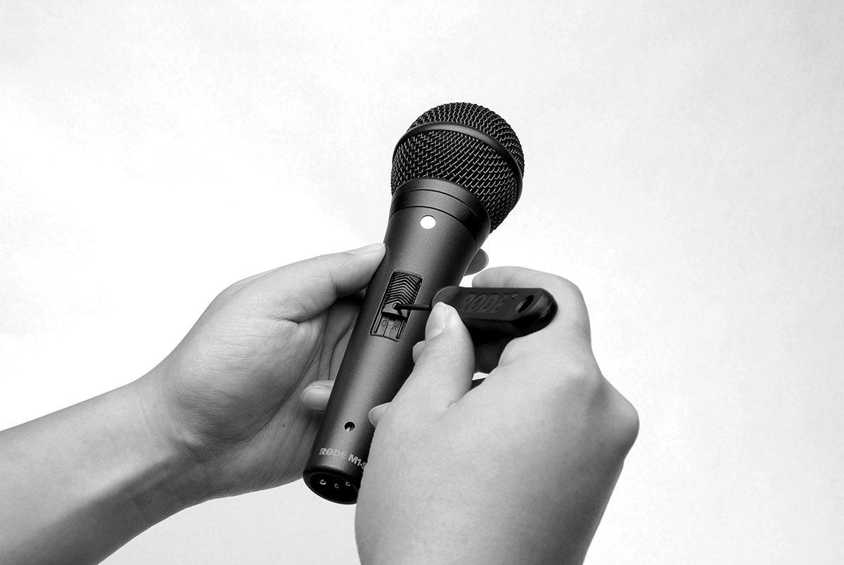 Microfone de Mão Rode M1-S Dinâmico