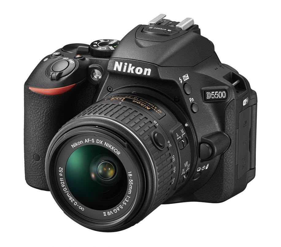 Câmera Nikon D5500 com Lente 18-55mm f/3.5-5.6G VR II Nikkor